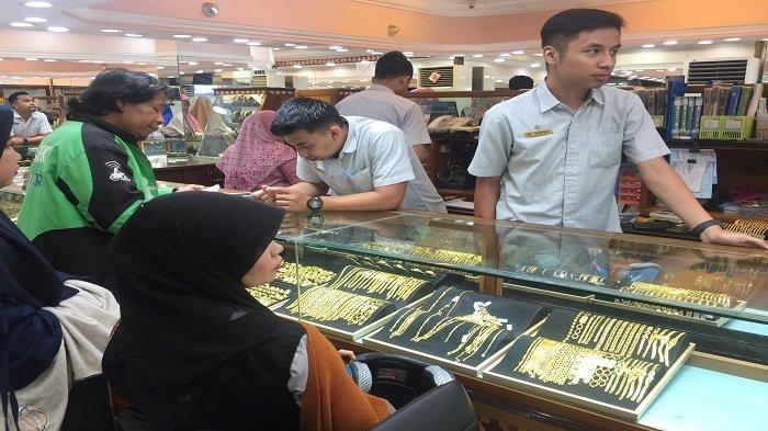 Harga Emas Naik, Masyarakat Lebih Banyak Membeli Perhiasan Daripada Menjual