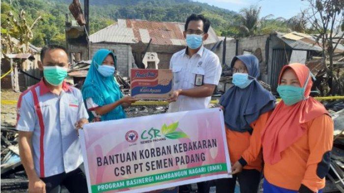 Gerak Cepat, PT Semen Padang Bantu Korban Kebakaran di Tarantang