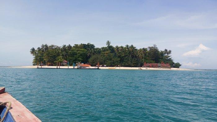 Liburan ke Pulau Angso Duo di Kota Pariaman, Ayunan Pantai jadi Spot Foto Unggulan Wisatawan
