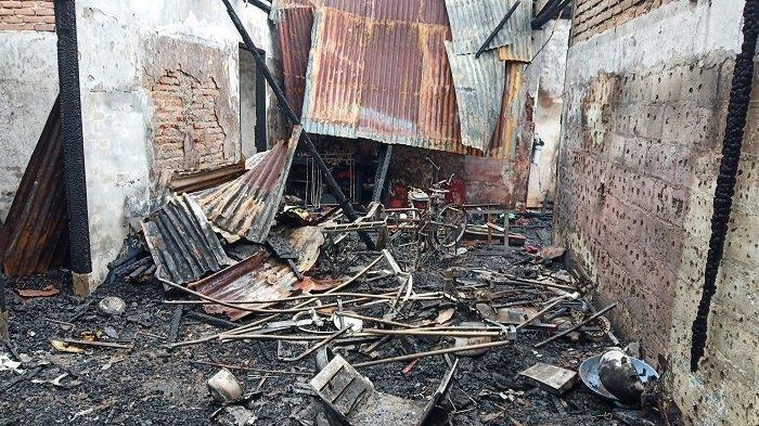 3 Rumah Dekat Pantai Danau Cimpago Kota Padang Terbakar, Tiga KK Kehilangan Tempat Tinggal