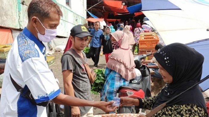 Tingkatkan Kesadaran Bahaya Covid-19, Relawan Mulyadi Berkeliling Berikan Edukasi