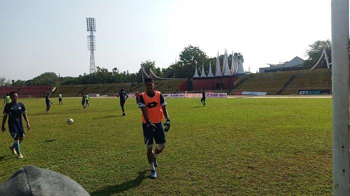 POPULER SUPERSKOR - Semen Padang FC Masih Cari Playmaker| Sriwijaya FC Puncaki Klasemen