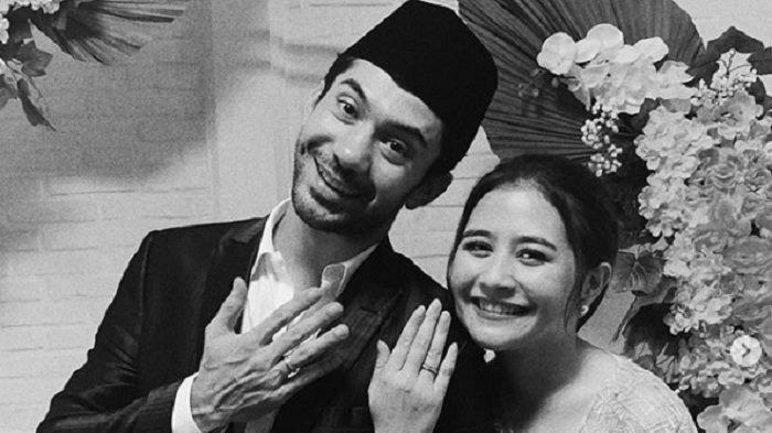 Reza Rahadian Dan Prilly Latuconsina Dijodohkan Netizen, Singgung Target Menikah