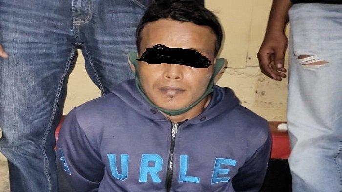 Seorang Pria Diringkus di Depan Pasar Bandar Buat Jalan Padang Solok, Polisi Amankan BB Diduga Sabu