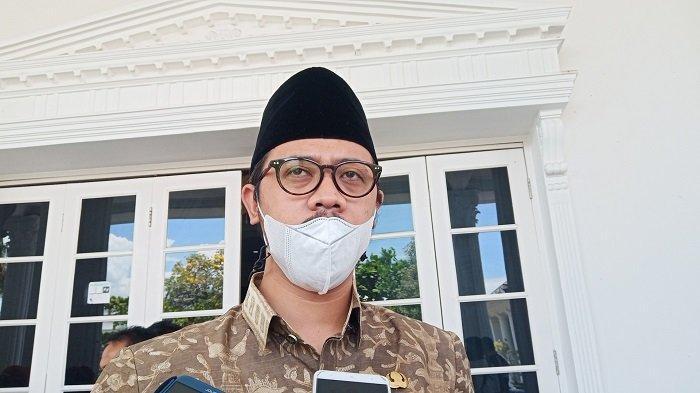 Wali Kota Bukittinggi Instruksikan ASN Pakai Baju Muslim Khas Minangkabau Setiap Jumat