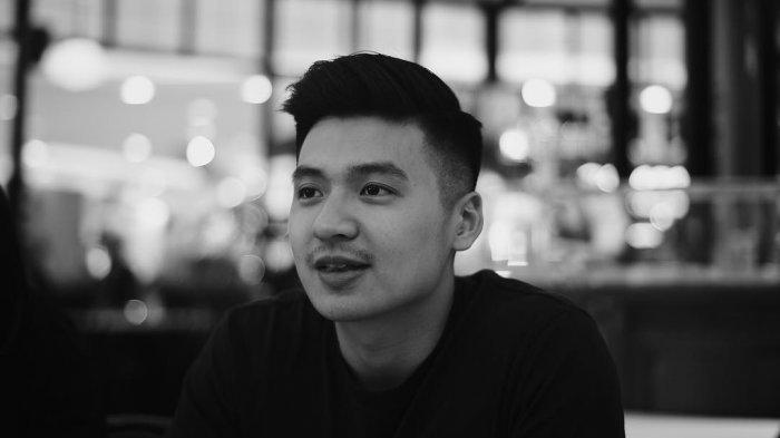 7 Fakta Menarik Tentang Sosok Rius Vernandes, Youtuber yang Dilaporkan Garuda Indonesia