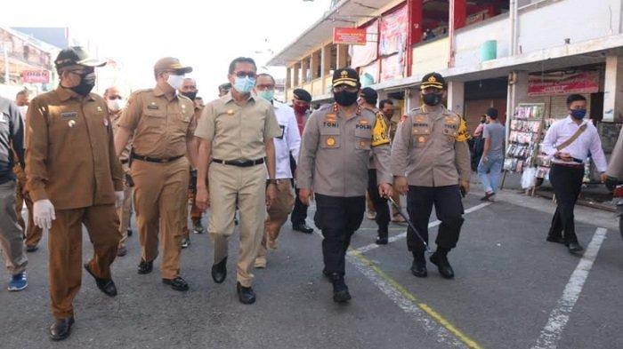 Gubernur Irwan Prayitno dan Kapolda Sumbar Cek Kesiapan New Normal di Pusat Perbelanjaan Kota Padang