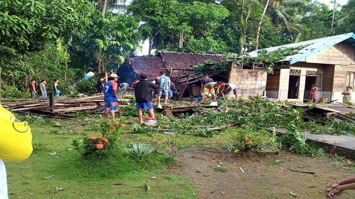 Cuaca Buruk di Kepulauan Mentawai, Sumbar: 2 Rumah Rusak Akibat Longsor dan Pohon Tumbang