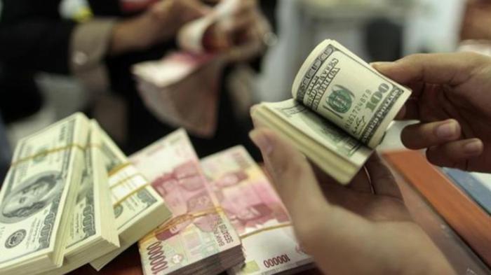 UPDATE Nilai Tukar Rupiah Ditutup di Level Rp 14.355 per Dolar AS, Catat Kurs di Lima Bank