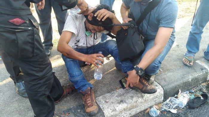 Wartawan di Makassar Dikeroyok Polisi saat Liput Demo, Kabid Humas Polda Sulsel Minta Maaf