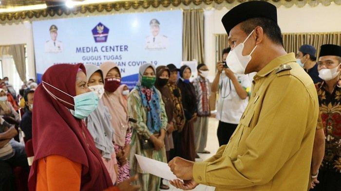 300 Mustahik Terima Bantuan Zakat dari Baznas Kota Pariaman, Masing-masing Dapat Rp 500 Ribu