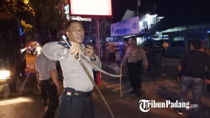 Polisi Gagalkan Tawuran Remaja di Purus Kota Padang, Senjata Tajam Berserakan di TKP