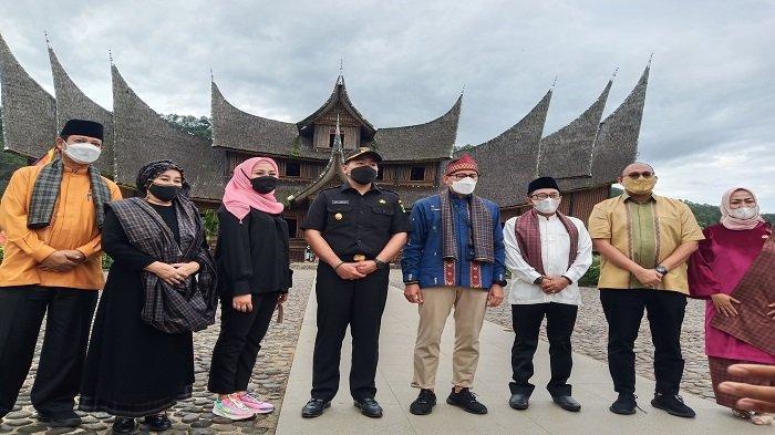 Sandiaga Uno Kunjungi Istano Basa Pagaruyung, Destinasi yang Memiliki Daya Tarik Utama ke Sumbar