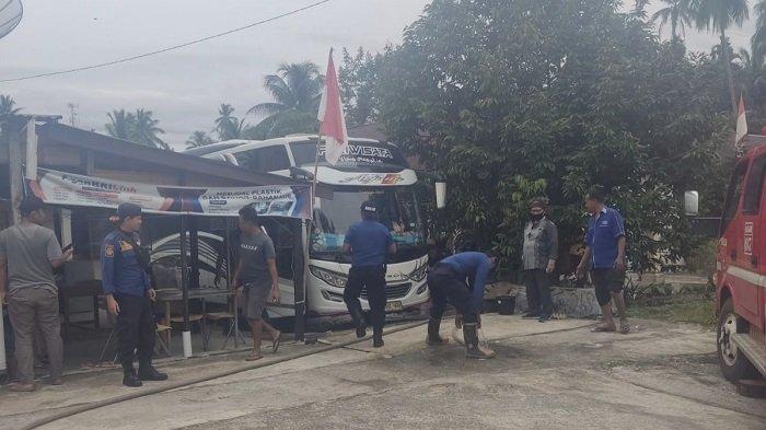 Bus Pariwisata Nyaris Terbakar di Agam, Keluarkan Percikan Api di Bagian Mesin