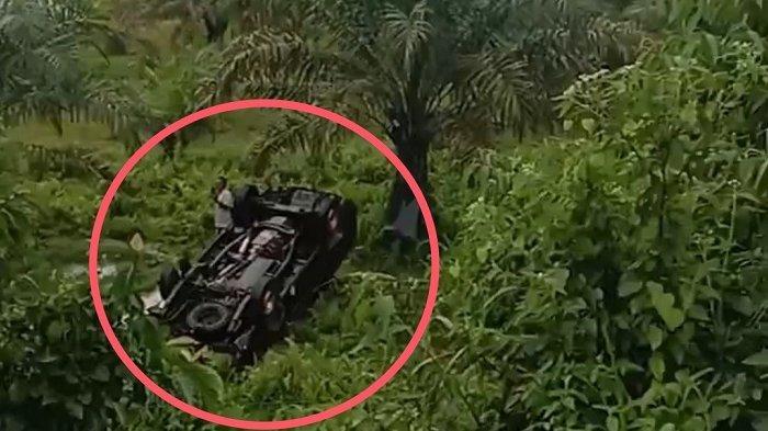 Rem Bermasalah, Sebuah Mobil Masuk Jurang Sedalam 15 Meter di Agam, Begini Kondisi Korban