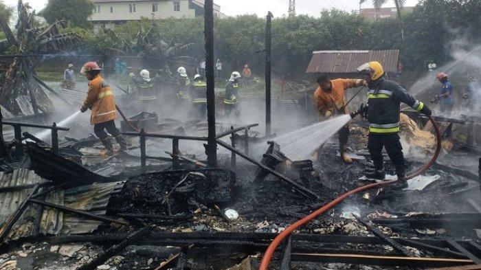 Kebakaran di Tanah Datar, Rumah Pegawai Wali Nagari Hangus, Damkar 3 Daerah Turun Tangan
