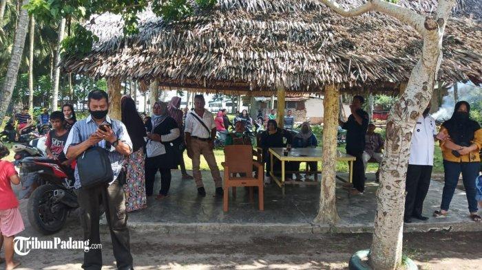 Warga 'Segel' Penginapan di Kota Padang, Diduga Jadi Ajang Selingkuh dan Tempat Maksiat