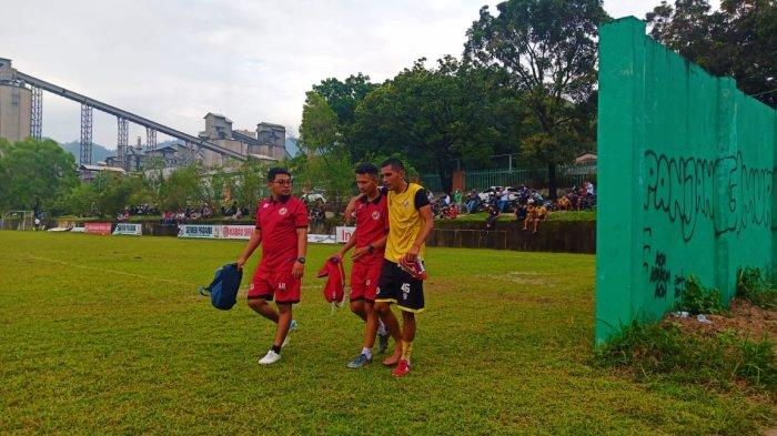 Bek Kanan Semen Padang FC Risman Maidullah Harus Menepi karena Cedera Hamstring