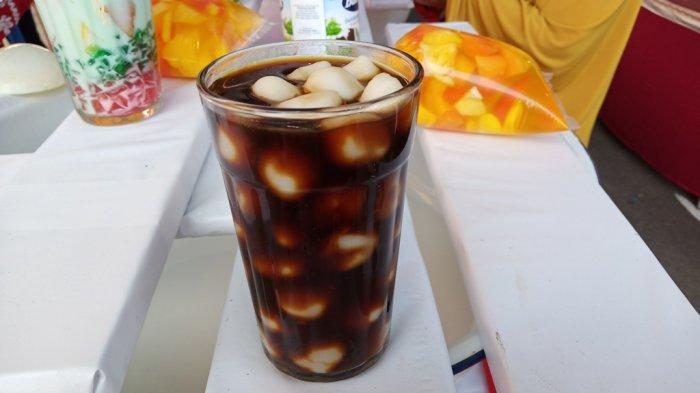 Selalu Ditemukan Saat Ramadhan di Padang, Inilah Bubur Cande Takjil yangDisajikan dengan Gula Merah