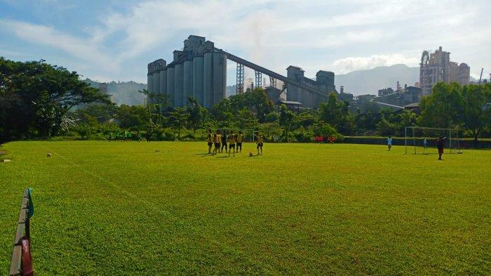 Weliansyah Ajak Pemain Semen Padang FC Latihan di Bawah Cuaca Panas, Kondisi Fisik Mulai Meningkat