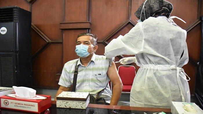 Semen Padang Laksanakan Vaksinasi Lansia Dosis Kedua