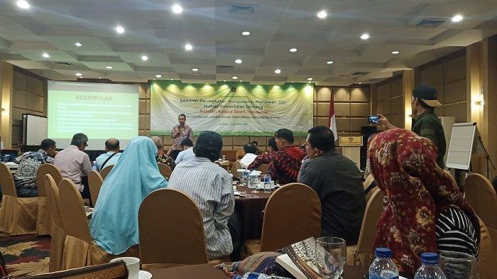 PWI Gelar Seminar tentang Industri Kelapa Sawit, Terungkap Pasaman dan Dhamasraya Daerah Potensial