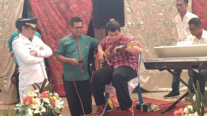 Meriahkan Peringatan HUT Kota Padang, Para Difabel Unjuk Kebolehan Bermain Musik hingga Menari