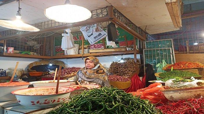 Pedagang Pasar Raya Padang:Tidak Perlu Ada Pajak Sembako, Daya Beli Masyarakat Sudah Rendah