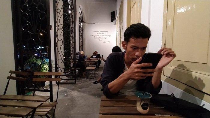 Coffee Shop Cerita Kopi, Ngopi Sambil Menikmati Suasana Kota Tua di Padang