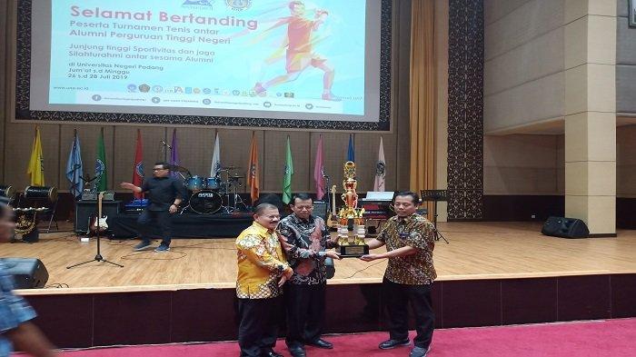 Universitas Negeri Padang Tuan Rumah Turnamen Tenis Alumni Perguruan Tinggi Se-Indonesia