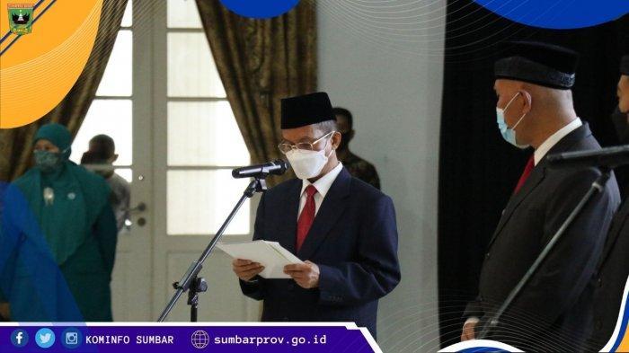 Pemerintah Provinsi (Pemprov) Sumatera Barat (Sumbar) melaksanakan serah terima jabatan (sertijab) Gubernur Sumbar di Auditorium Gubernuran, di Kota Padang, Jumat (26/2/2021) pagi.
