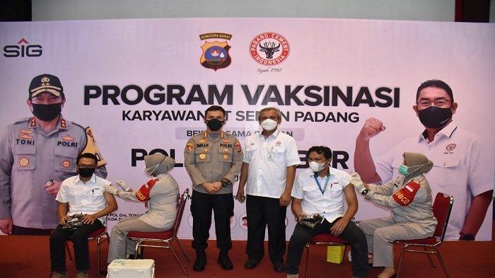 Kerja Sama dengan Polda Sumbar, PT Semen Padang Vaksinasi 1.200 Karyawan