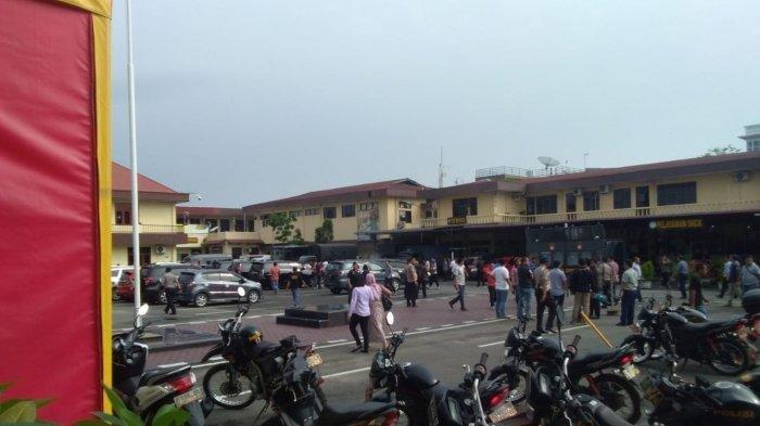 Pelaku Diduga Bom Bunuh Diri di Mako Polrestabes Medan Gunakan Atribut Ojek Online