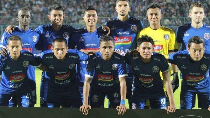 Arema FC Cukur Bhayangkara FC, Empat Gol tanpa Balas Lalu Tembus Semifinal