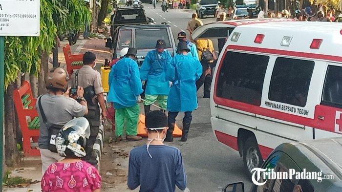 Pria Meregang Nyawa Depan SMP 4 Padang Dievakuasi Petugas Berpakaian APD, Hasil Visum Telah Keluar