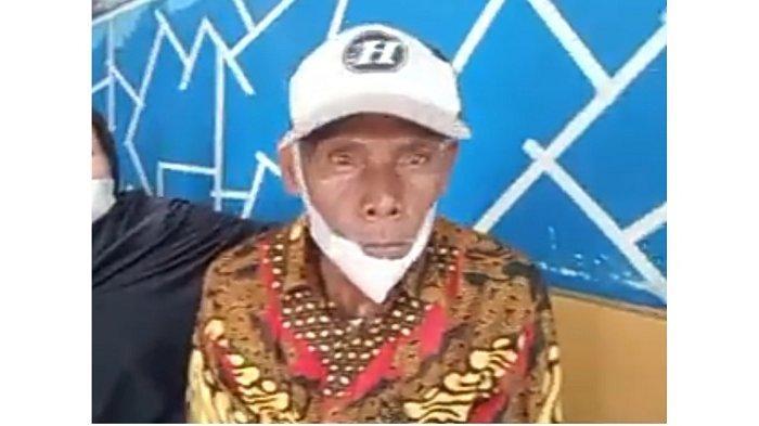 Sosok Biyok, kakek tuna rungu di Payakumbuh, yang punya uang berkarung-karung. (Istimewa)