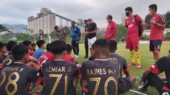 Latihan Perdana Semen Padang FC Hanya Berlangsung Satu Jam, Besok Kembali Dilanjutkan