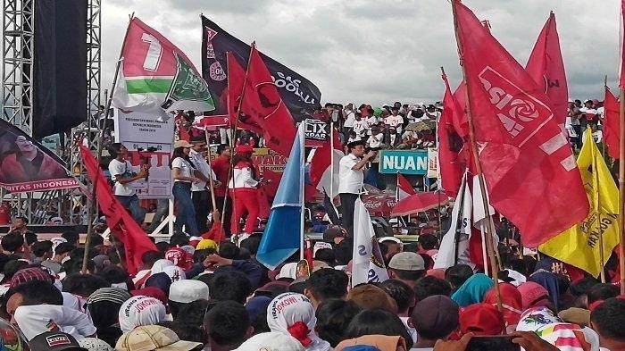 12 Bupati-Wako Se-Sumbar Dukung Jokowi-Maruf Amin saat Kampanye di Danau Cimpago Kota Padang