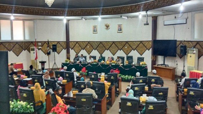 DPRD Padang Dukung Warga Teluk Bayur Perjuangkan Lahan Bukit Peti-peti, Tak Ingin Warga Dizalimi