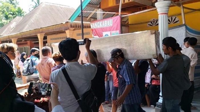 Jenazah Korban Kebakaran Lapas Tangerang Tiba di Padang Pariaman, Disambut Isak Tangis