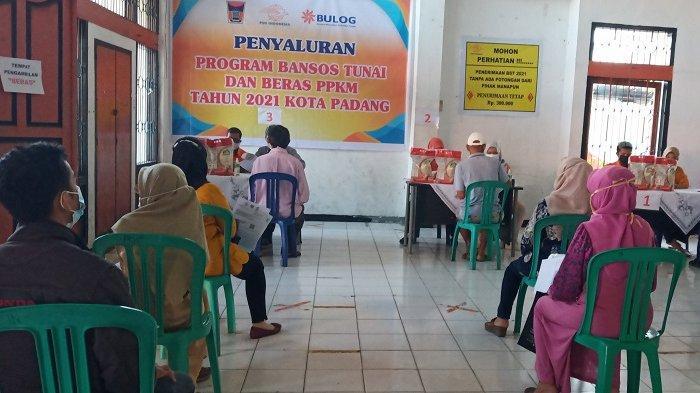 Bansos Tunai dan Beras PPKM Kota Padang Mulai Dibagikan, Terdata 35.000 KK Penerima