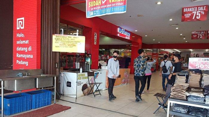 Belum Punya Bukti Vaksin Covid-19, Pengunjung Ngaku Tetap Bisa Masuk Plaza Andalas Padang