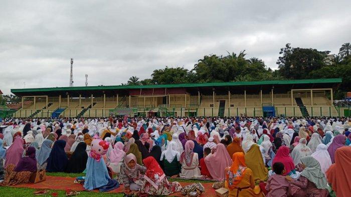 Salat Idul Fitri di Sijunjung, Bupati: Jangan Torehkan Noda yang Merusak Nilai-nilai Ibadah