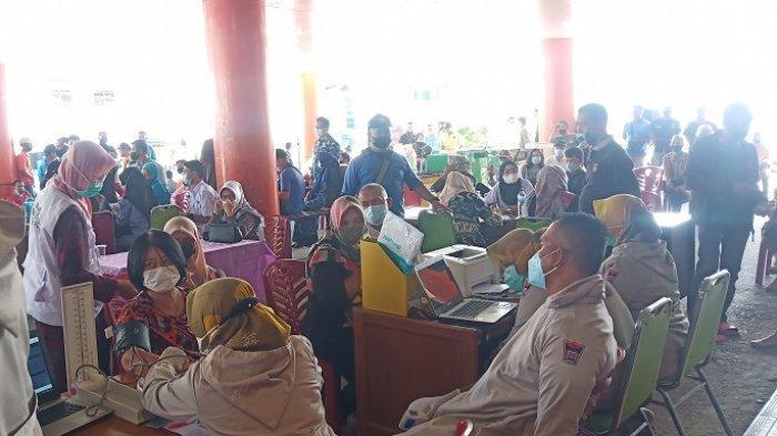 Pedagang Pasar Raya Padang Divaksin Tahap Kedua, Menyasar 1.071 Orang