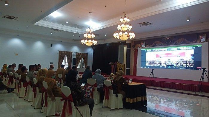 Kasus Covid-19 di Sumatera Barat Melandai, Gubernur Tetap Minta Bupati/Wali Kota Giatkan Vaksinasi