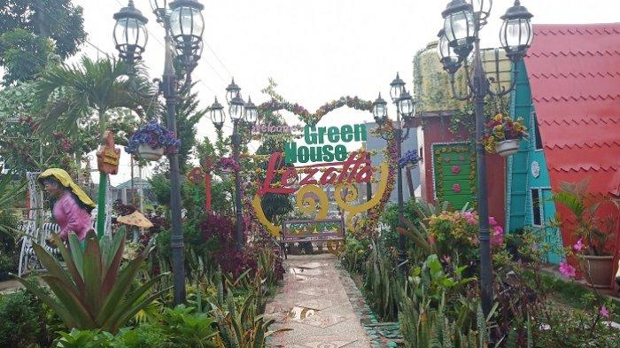 Taman Bunga Green House Lezatta di Bukittinggi yangInstagramable, Ada Rumah Miring dan Terbalik
