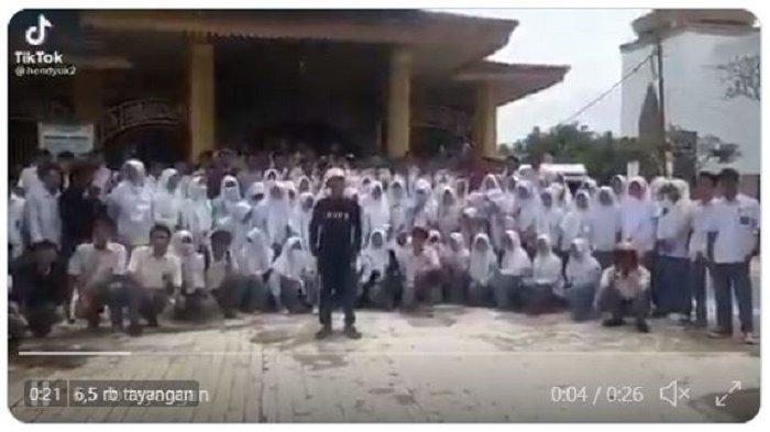 Bikin Video Deklarasi 'Bebaskan Habib Rizieq', Pemuda Ini Minta Maaf karena Libatkan Siswa SMA