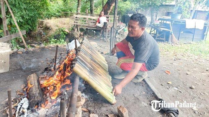 Pedagang Lamang Tapai di Padang Raup Omzet Rp 2 Juta Sehari, Jelang Idul Fitri Ramai Pemesan