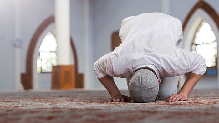Bacaan dan Tata Cara Sholat Idul Fitri Sendiri & Berjemaah di Rumah, Ini Jumlah Takbir Setiap Rakaat