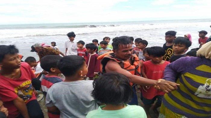 Tim Badan Penanggulangan Bencana Daerah (BPBD) Padang Pariaman menemukan nelayan yang sempat hilang dilaut, Selasa (29/6/2021)